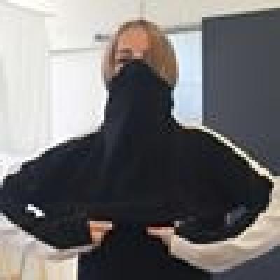 Renée zoekt een Appartement / Huurwoning / Kamer / Studio / Woonboot in Amsterdam
