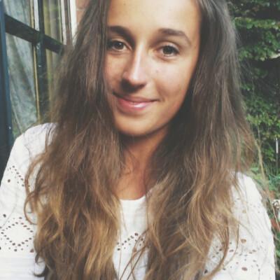 Elise zoekt een Appartement / Huurwoning / Kamer / Studio in Amsterdam